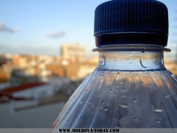 3-alarming-facts-you-need-to-know-before-reusing-water-bottles-min