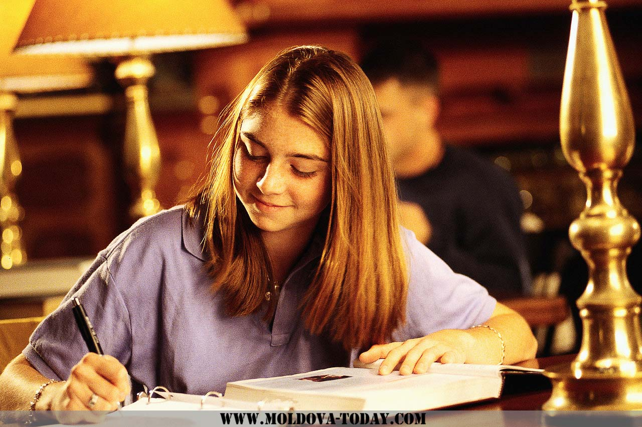 cliques in school essay Why cliques form at some high schools and not others we think you're crazy to make us write an essay the lead author of a new paper on high school cliques.